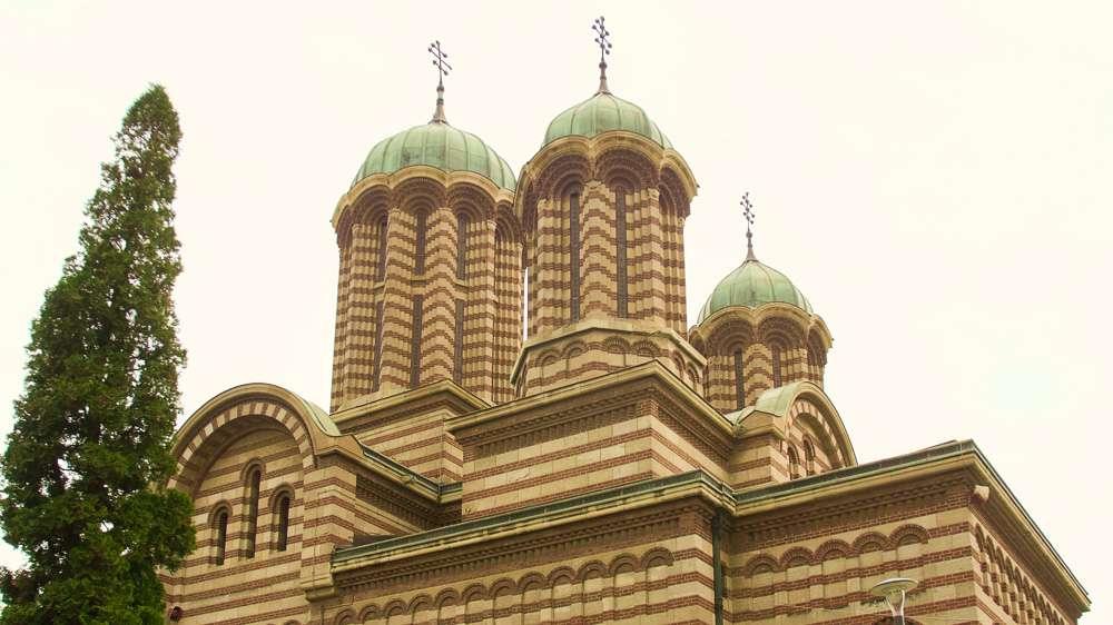 hram-sv.-dimitar-craiova3