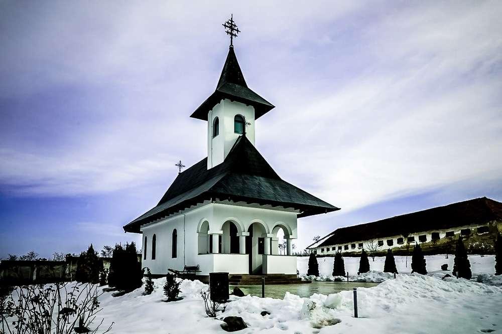 manastir-Zhiana-Romania-2