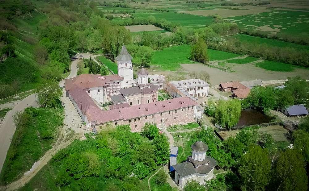 manastir-brankoveni-romania