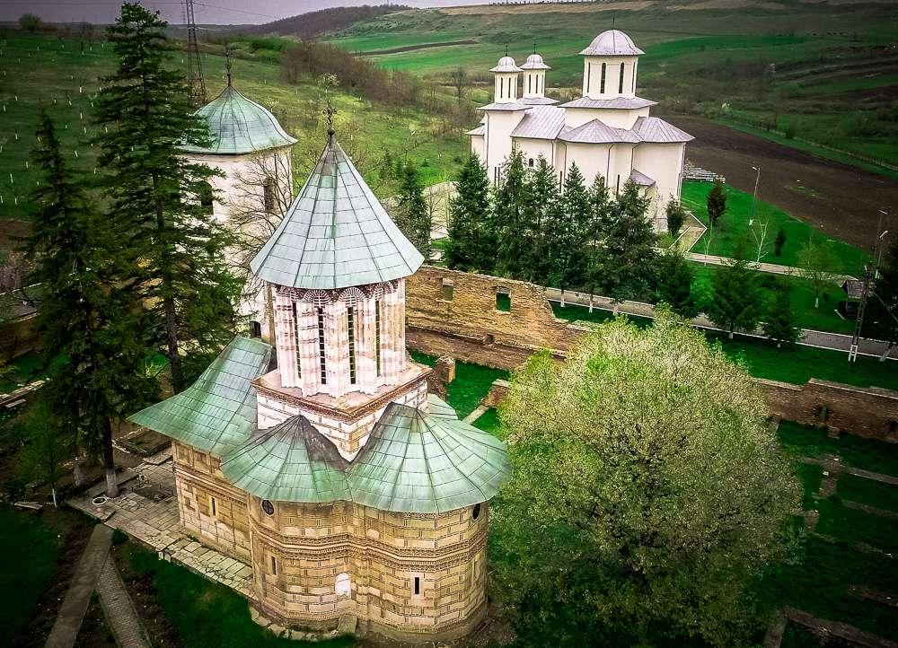 manastir-kalui-romania2