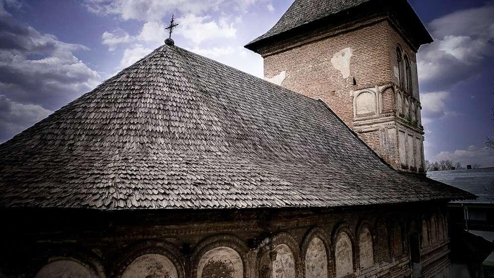 manastir-strehaia-romania3-new