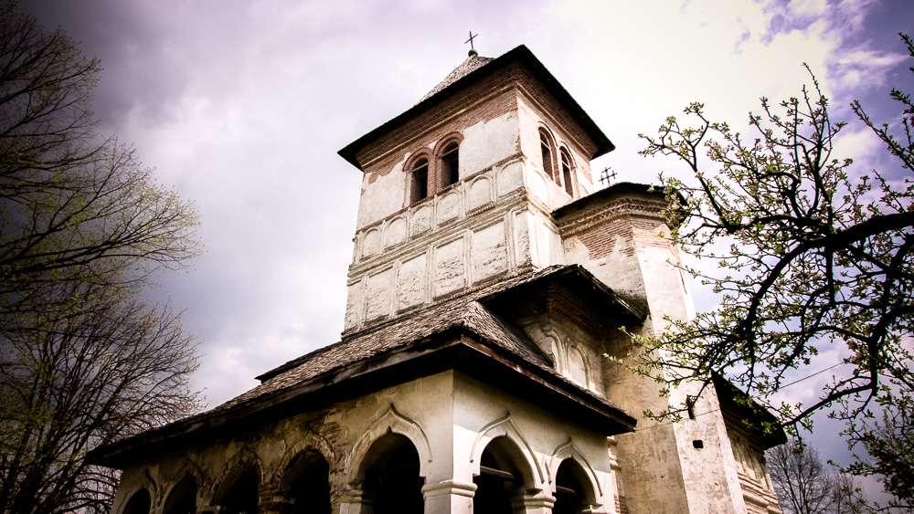 manastir-strehaia-romania7