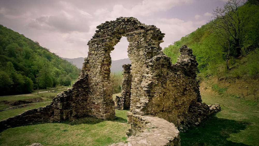 manastir-voditsa-roman5